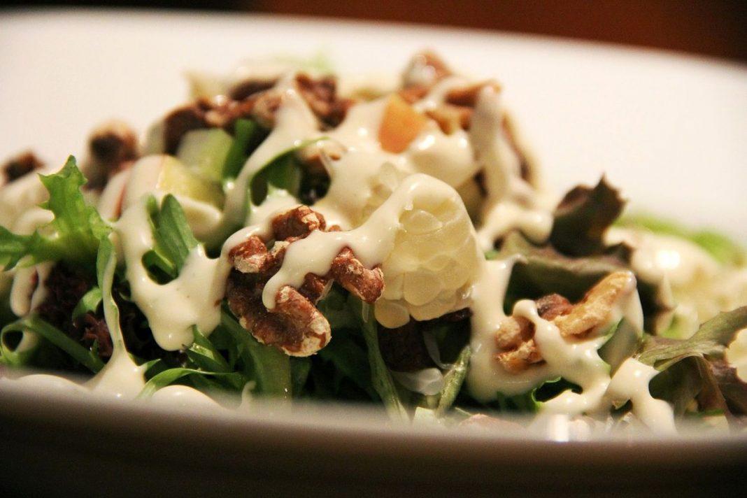 Salade d'automne mâche et noix